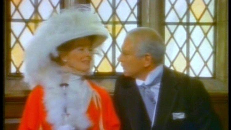 Love Among the Ruins (film) LOVE AMONG THE RUINS 1975 Hepburn Olivier YouTube