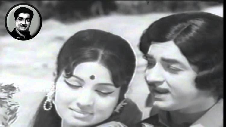 Love Marriage (1975 film) LOVE MARRIAGE CLIP 12 NEELAMBARI PREM NAZIR SONG YouTube