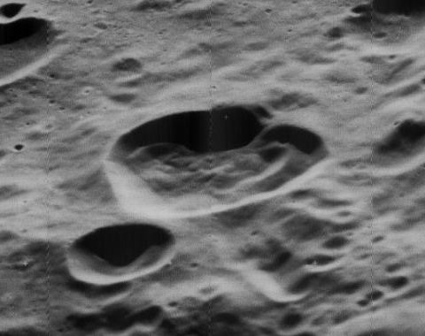 Lovell (crater)