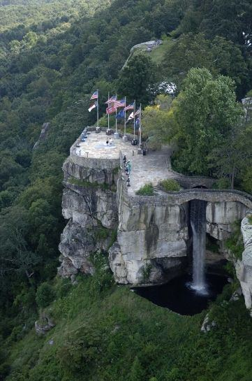 Lover's Leap Aerial view of Lover39s Leap and 7 States Rock City Chattanooga