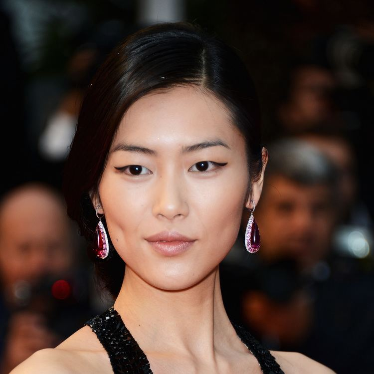 Lu Wen Liu Wen at the Amour Premiere See the Most Gorgeous