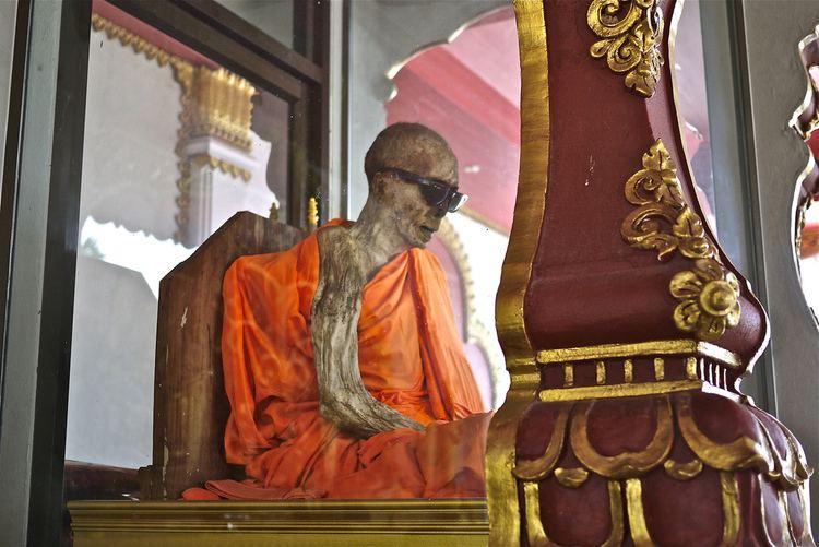 Luang Pho Daeng self mummified monk Luang Pho Daeng enwikipediaorgwiki Flickr
