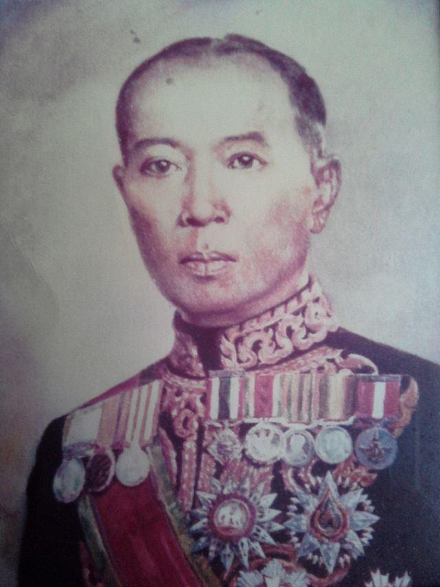 Luang Wichitwathakan httpsuploadwikimediaorgwikipediacommonsthu