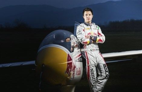 Luca Bertossio Luca Bertossio Red Bull X Glider Google