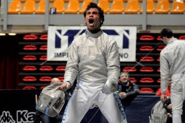 Luca Curatoli E napoletano il campione del mondo juniores di sciabola Curatoli