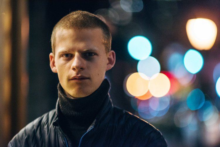 Lucas Hedges httpsstatic01nytcomimages20170108arts08