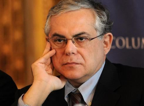 Lucas Papademos New Greek PM vows unity cooperation USATODAYcom