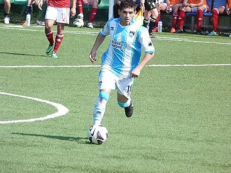 Lucas Torreira httpsuploadwikimediaorgwikipediacommons33