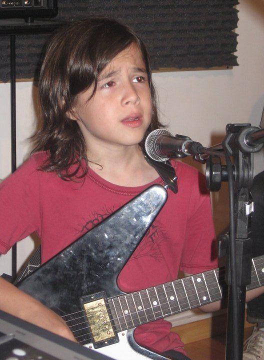 Lucciano Pizzichini Photos of Lucciano Pizzichini kids39music