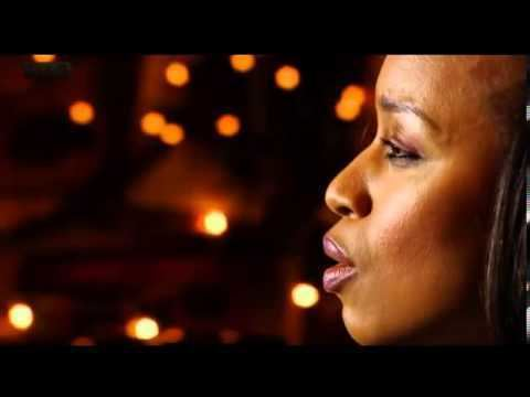 Lucia Evans LUCIA EVANS SINGS SILENT NIGHT IN OCONNOIRS BAR GALWAY YouTube