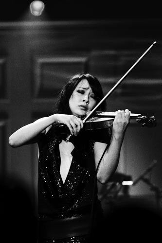 Lucia Micarelli Lucia Micarelli one of the most expressive violinist of all time