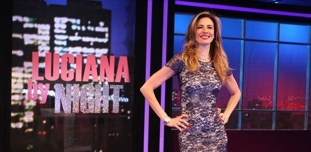 Luciana by Night Falta de assunto domina estreia do talk show de Luciana Gimenez