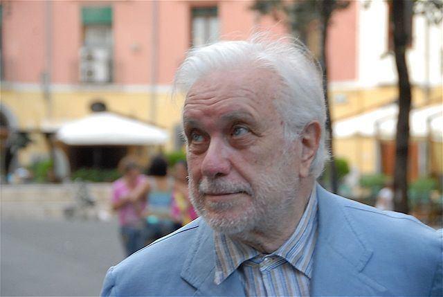 Luciano De Crescenzo Luciano De Crescenzo Quotes QuotesGram