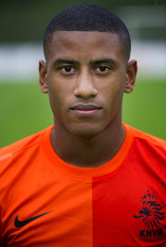 Luciano Narsingh FACES Faces by Homer S Page 28 PESGaming Forums