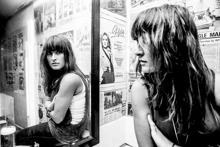 Lucie Barât Lucie Barat amp The Au Revoirs Discuss 39Fallen39 YouTube