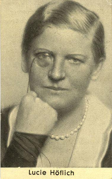 Lucie Hoflich wwwvirtualhistorycommoviecigcard162large05
