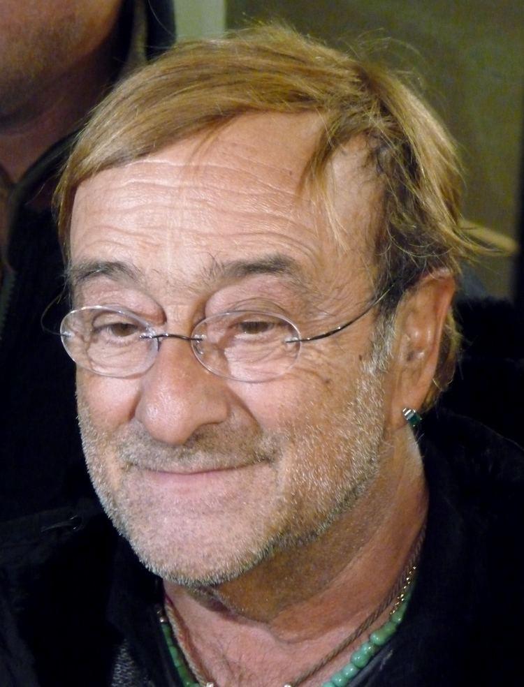 Lucio Dalla httpsuploadwikimediaorgwikipediacommonsee