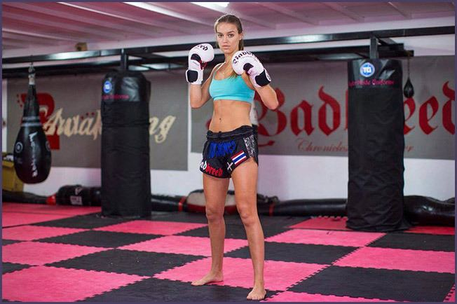 Lucy Payne Lucy Payne Muay Thai Awakening Fighters