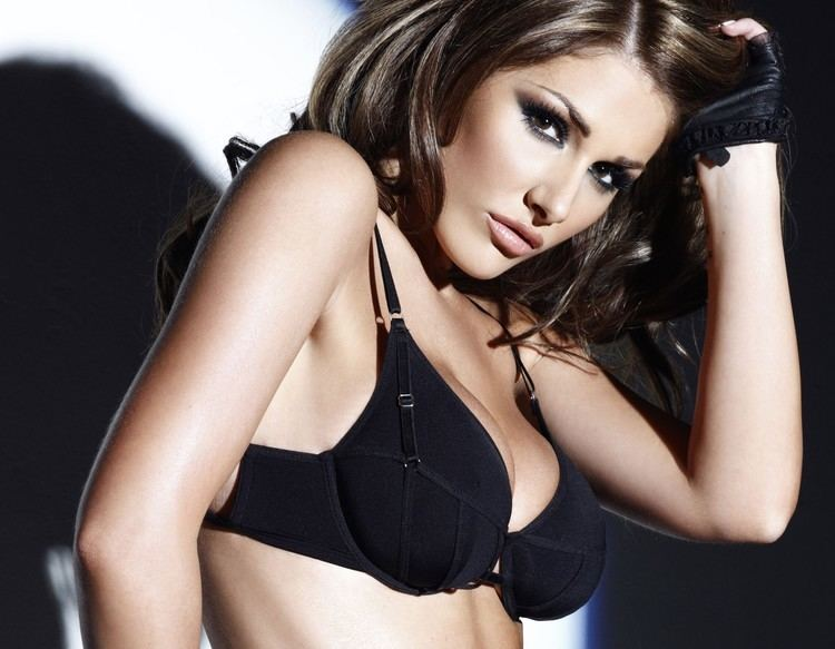 Lucy Pinder Super Model Lucy Pinder to woo Bollywood Urban Asian