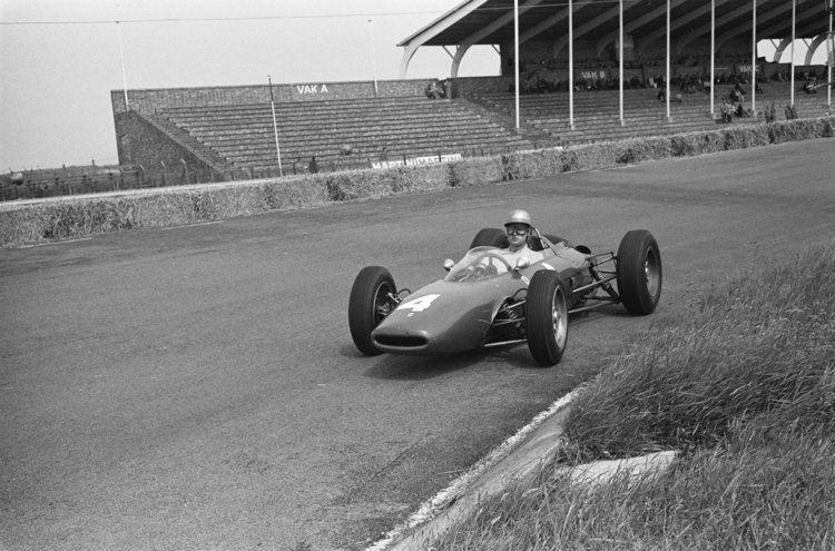 Ludovico Scarfiotti FileScarfiotti at 1963 Dutch Grand Prix 2jpg