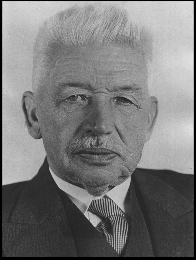 Ludwig Aschoff httpsuploadwikimediaorgwikipediacommonsthu