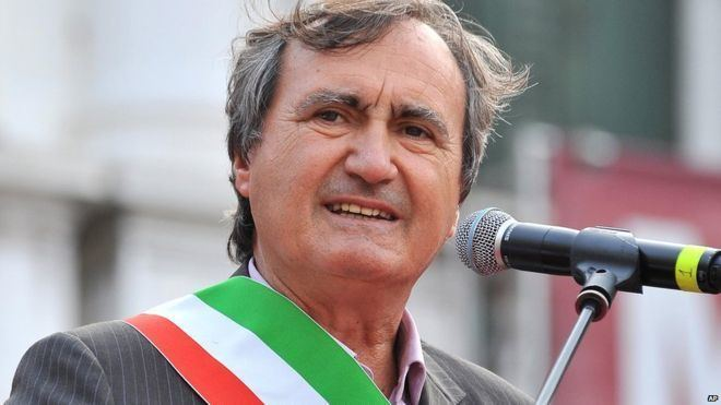 Luigi Brugnaro httpsichefbbcicouknews660cpsprodpb14AF0