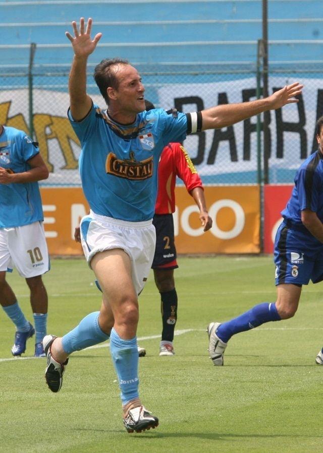 Luis Alberto Bonnet Sporting Cristal Luis Alberto Bonnet est de cumpleaos FOTO