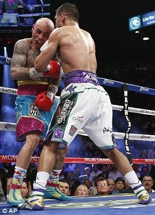 Luis Collazo Amir Khan back to his brilliant best with dominant win over Luis