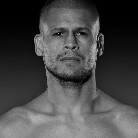 Luis Cruz (boxer) wwwpremierboxingchampionscomsitesdefaultfiles