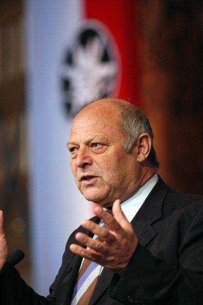 Luis Durnwalder Classify sudtyroler politician Luis Durnwalder