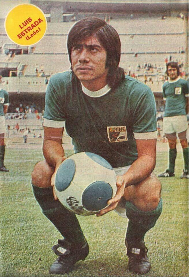 Luis Estrada (footballer) Luis Estrada of Club Leon Mexico in 1970 1970s Football Pinterest