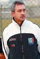 Luis Fernando Montoya Apenas mueve la cabeza pero su sueo es volver a entrenar