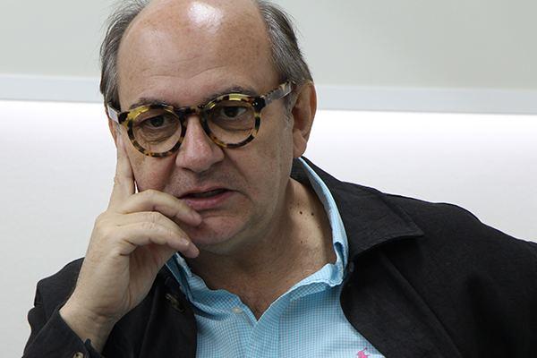 Luis Gnecco Luis Gnecco convers con alumnos de Periodismo UDP Periodismo
