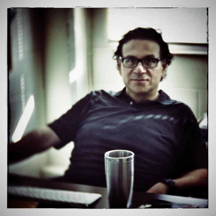 Luis Humberto Crosthwaite De letras y maullidos Entrevista con Luis Humberto
