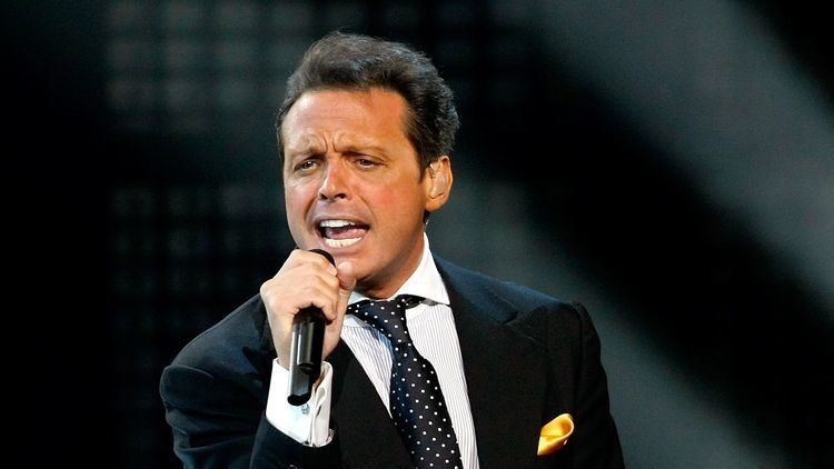Luis Miguel Singer Luis Miguel39s former agent sues him in Texas for