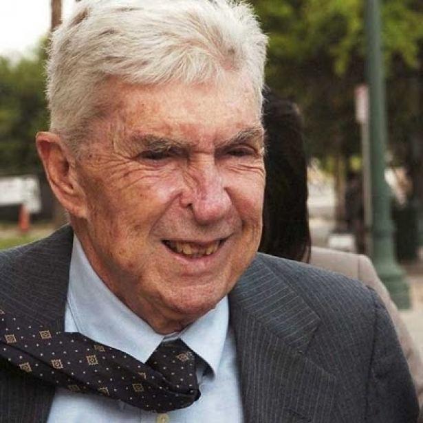 Luis Posada Carriles Cantan en Miami la cercana muerte del terrorista Luis Posada