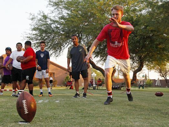 Luis Zendejas Former NFL kicker gives free lessons to high schoolers in Ariz
