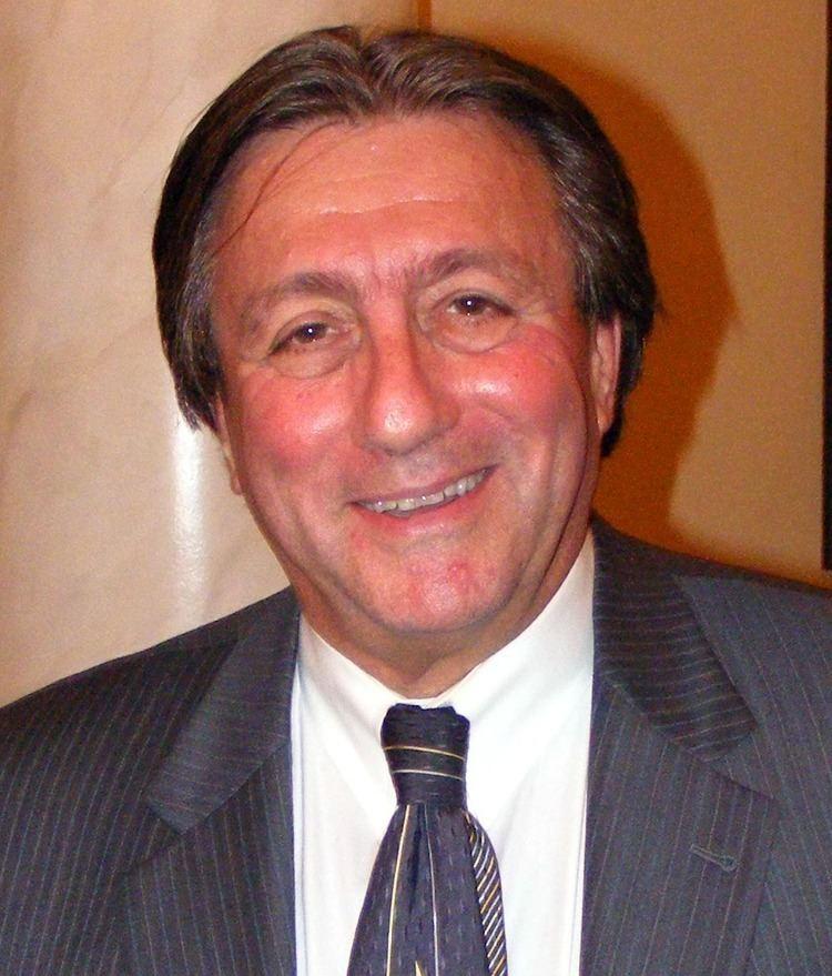Luiz R. S. Simmons httpsuploadwikimediaorgwikipediacommonsbb