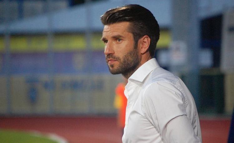 Luka Elsner Domalani zmagujejo in prodajajo Slovenskenovicesi