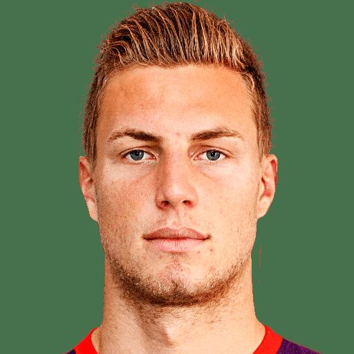 Lukas Rotpuller futheadcursecdncomstaticimg14players205898png
