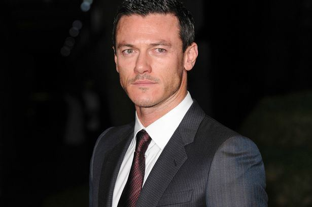 Luke Evans (actor) Hollywood39s latest Dracula blockbuster to star Hobbit