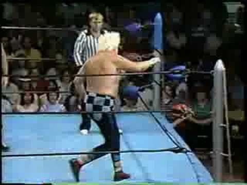 Luke Graham (wrestler) Mike George vs Crazy Luke Graham YouTube