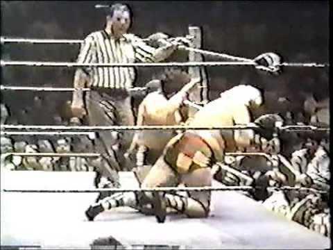 Luke Graham (wrestler) Madison Square Garden Luke Graham vs Dino Bravo YouTube