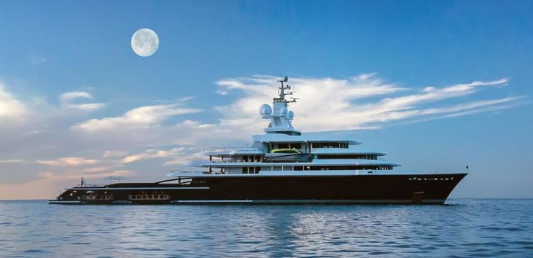 Luna (yacht) httpsimageyachtcharterfleetcomcharterLUNAL