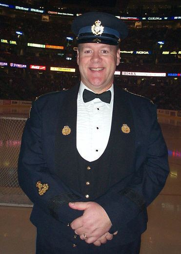 Lyndon Slewidge National anthem singer provides a reason to cheer