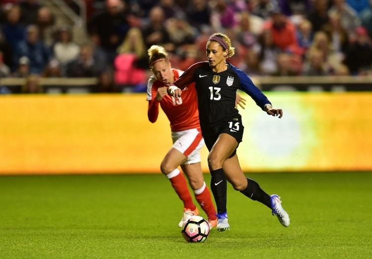Lynn Williams (soccer) Lynn Williams Punctuates First Cap with First Goal US Soccer