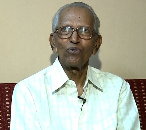 M. K. Sanu Mathrubhumi ReadMore 39Ezhuthachan award for Prof M K Sanu39