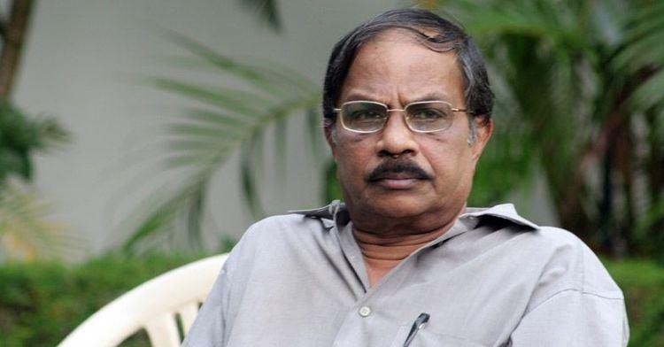 M. T. Vasudevan Nair M T Vasudevan Nair Bags J C Daniel Award CineSpider