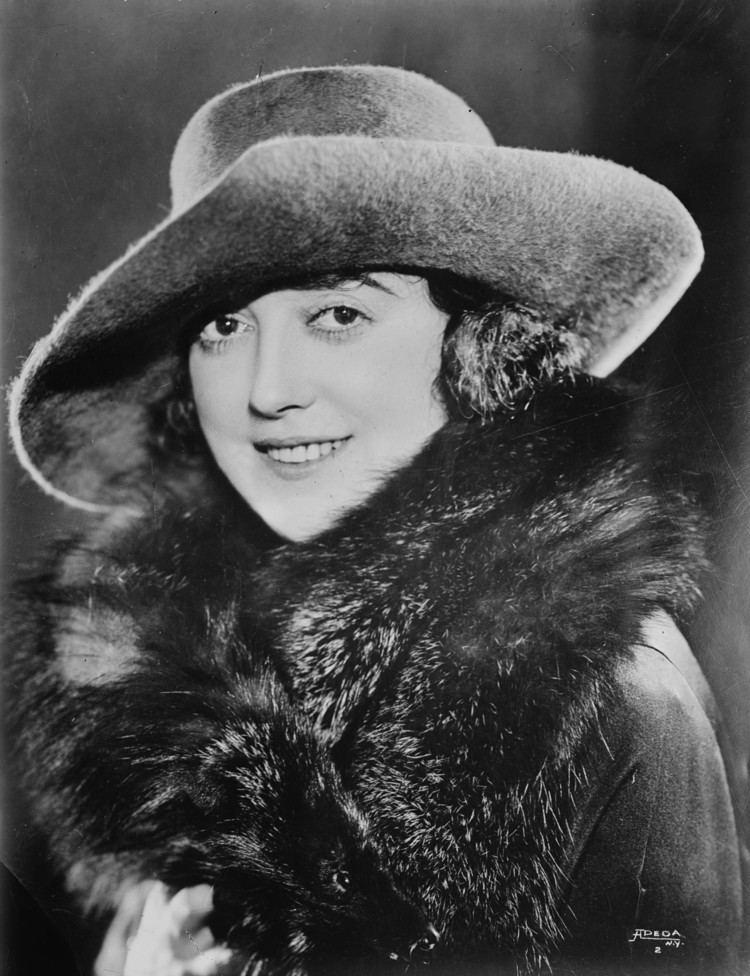 Mabel Normand httpsuploadwikimediaorgwikipediacommons99
