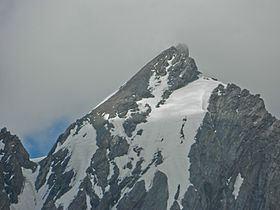 Machoi Peak httpsuploadwikimediaorgwikipediacommonsthu